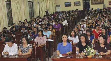 Các đại biểu và học viên tham dự lớp tập huấn.